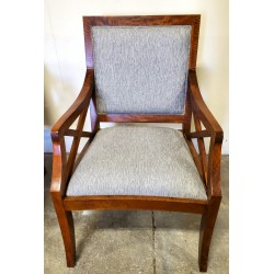 Accent Chair * Wood & Cloth...