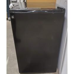 GE Small 5 cu.ft Refrigerator
